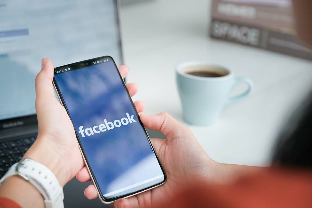 facebook job advertising online